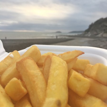 Seaton, UK: Chips on the beach