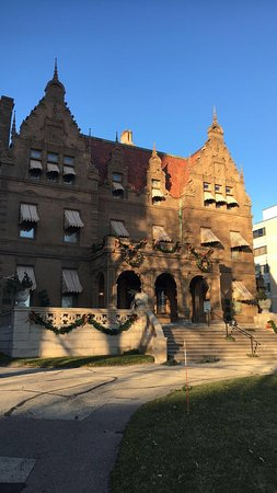 Pabst Mansion: Front of Pabst