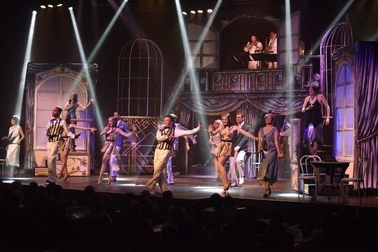 La Cloche Revue Cabaret