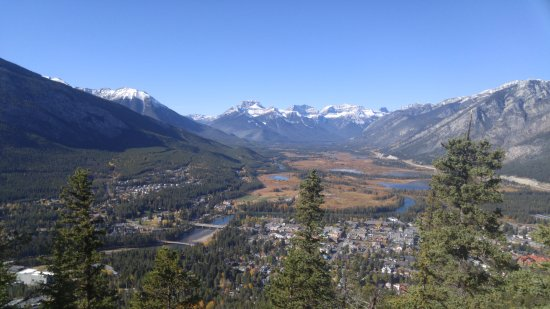 Tunnel Mountain Trail: Banff and its valley from the top of Tunnel Mountain