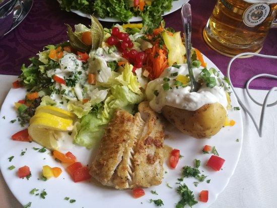 Duhnen, Germany: Lachs mit Ofenkartoffel