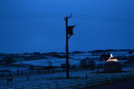 Bamflatt Farm B&B: Snowy view