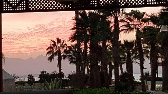 Kempinski Hotel Soma Bay : Abendstimmung vom Club aus