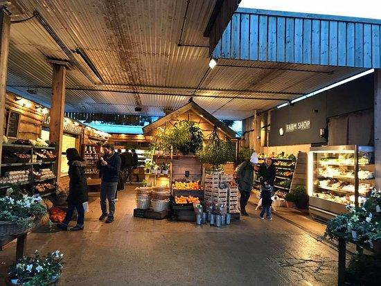 Frampton Mansell, UK: Farm Shop