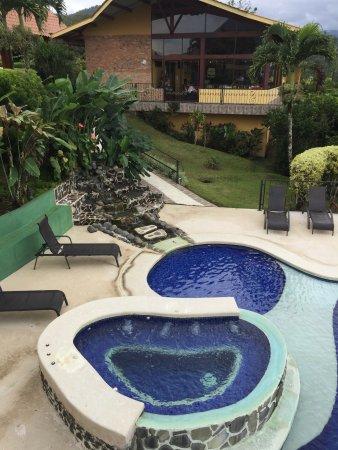 Linda Vista Hotel: Piscine chauffée et spa - très propres