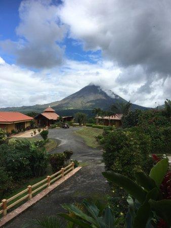 Linda Vista Hotel : Endroit tranquille et confortable, vue magnifique sur le volcan et lac Arenal