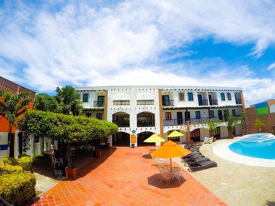 Sansiraka Hotel: Piscina
