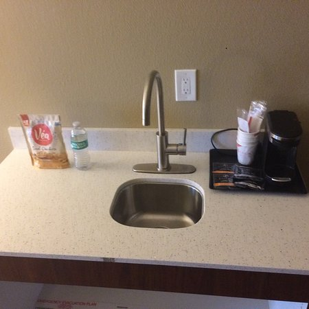 Comfort Suites Airport: photo2.jpg