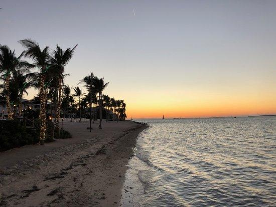 Sunset Key Cottages: beach