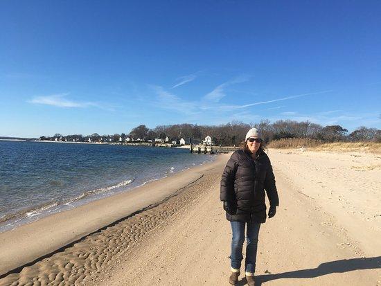 Jamesport, État de New York : Beach that is 5-10 walk down the road from the inn. Beautiful.