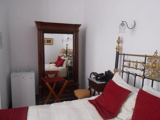 El Hotel de Su Merced: Antique decor with modern comforts