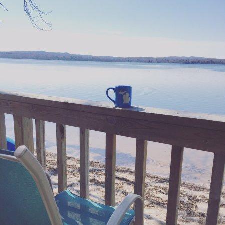 Au Train, MI: Enjoy your coffee on ge front deck of 11 Mink