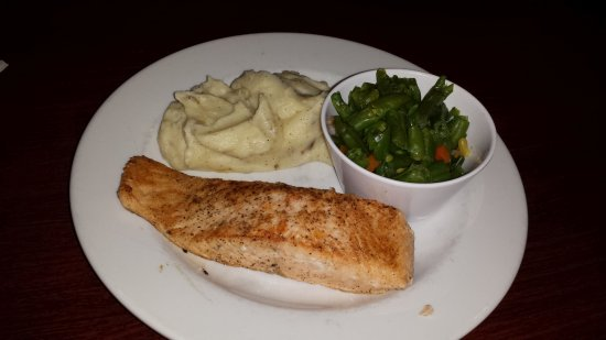 Monroe, OH: Grilled Salmon with mashed potatoes and Green Beans
