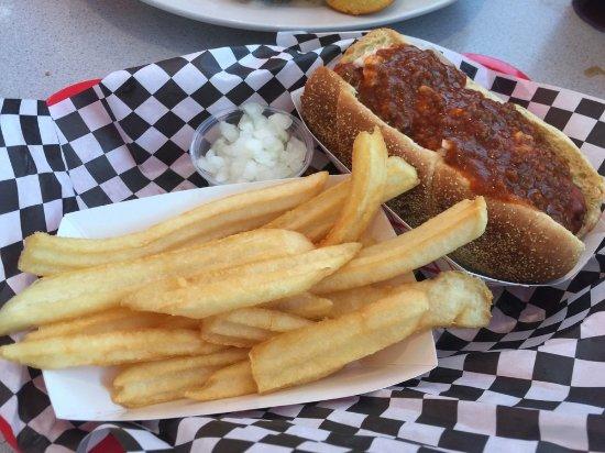 Blue Ribbon Diner: hot dog