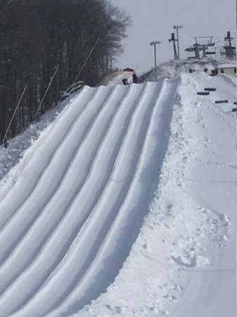 Uxbridge, Canada: Snowtubing Runs