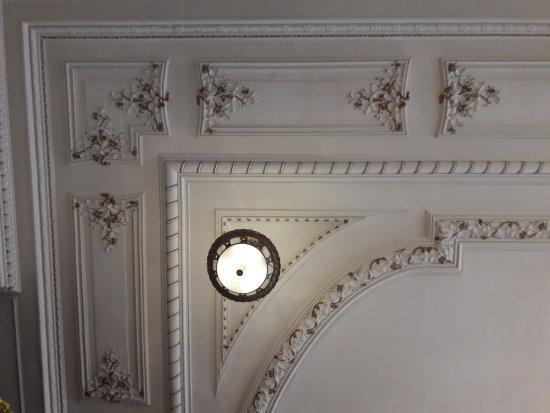 Soleil Vacances Hôtel Le Terminus: Beautiful ceiling