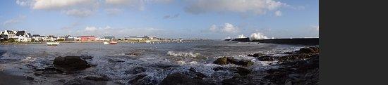 Plobannalec-Lesconil, Pháp: l'anse de langoguen , tara cantine de mer le batiment rouge