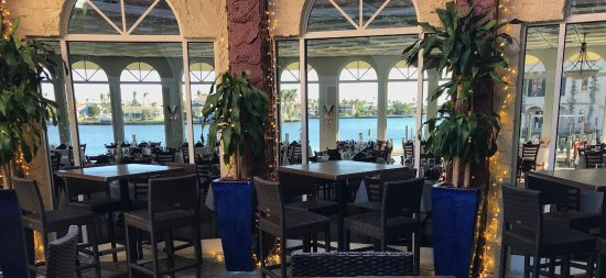 T-Michaels Steak and Lobster: View from the Atrium