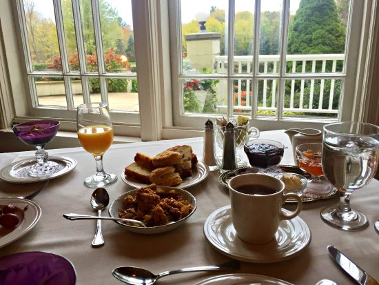 Belvedere Inn & Restaurant: Breakfast every morning was a highlight!