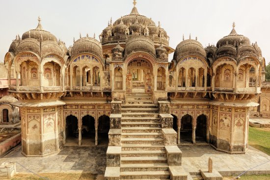 Shekhawati, Indien: Outside view of cenotaph