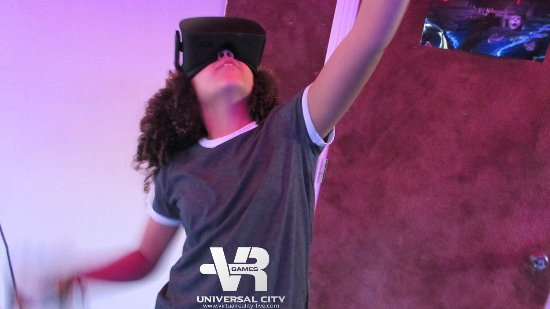 Virtual Reality Games is a fun things to do with kids on