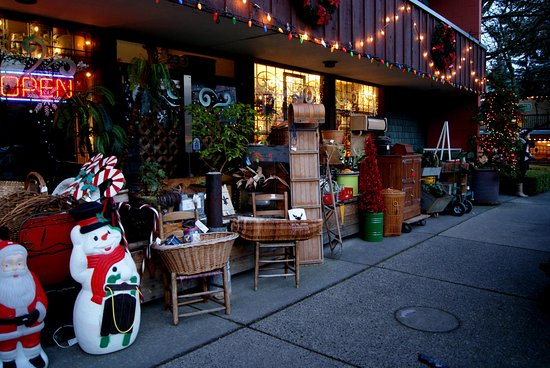 Fort Langley Village Antiques Mall
