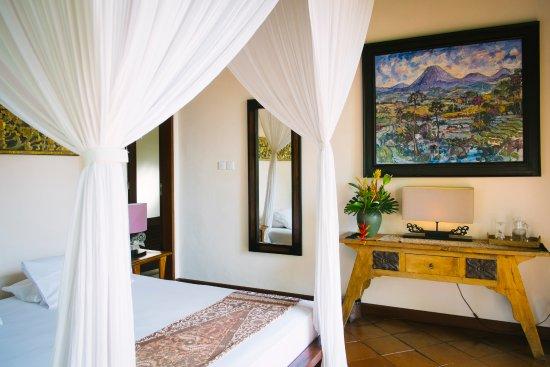 Villa Awang Awang: Villa Beji main bedroom