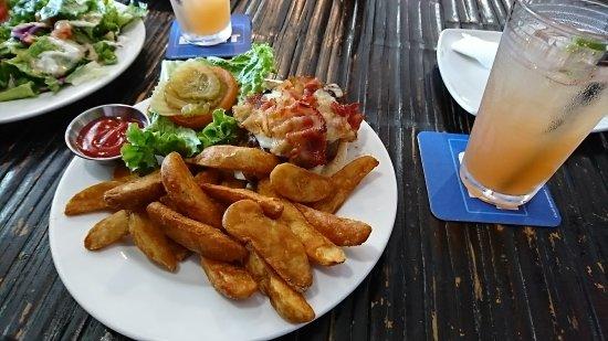 Mosa's Joint Restaurant, DSC_0253_large.jpg