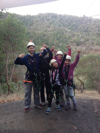 Rogue Valley ZipLine Adventure: Happy customers of all ages!