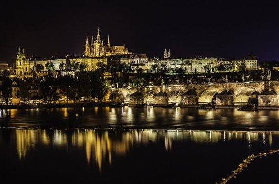 Prague walking tour and evening