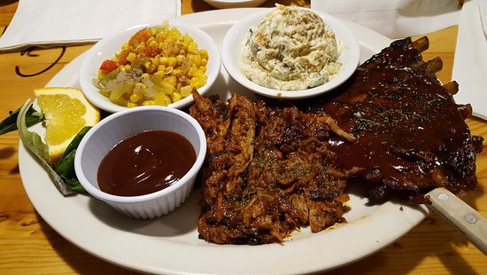 Descanso, CA: BBQ Combo Plater
