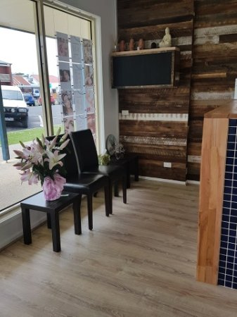 Apollo Bay Natural Health and Wellbeing: Reception
