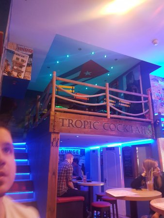 Tropic Cocktails Bar Gozsdu