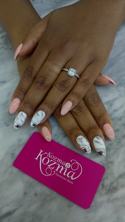 Marble Nail Art & Acrylic Extensions - Picture of Kozma and