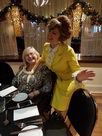 Freya's Restaurant at Aspers Casino: Sybil. She was amazing in character even before the starter