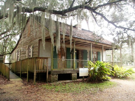 Destrehan Plantation: education center
