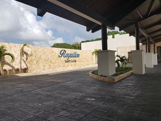 Cap Estate, St. Lucia: Hotel entrance