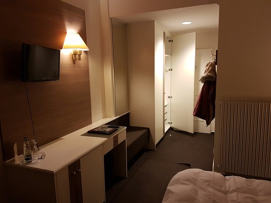 Traunreut, Alemania: Room