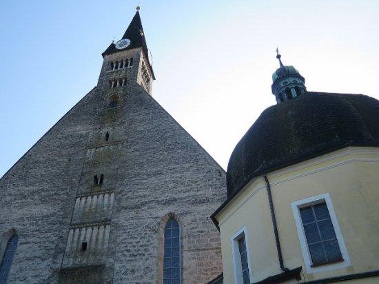 Laufen, Tyskland: 街の象徴としての教会