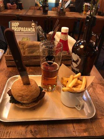 BrewDog Oxford: Hail Seitan vegan burger