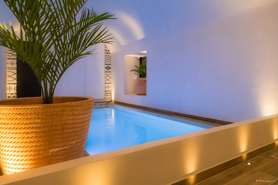 laz hotel spa urbain hk 1 400 h k 1 5 0 1 updated 2018 prices reviews paris. Black Bedroom Furniture Sets. Home Design Ideas