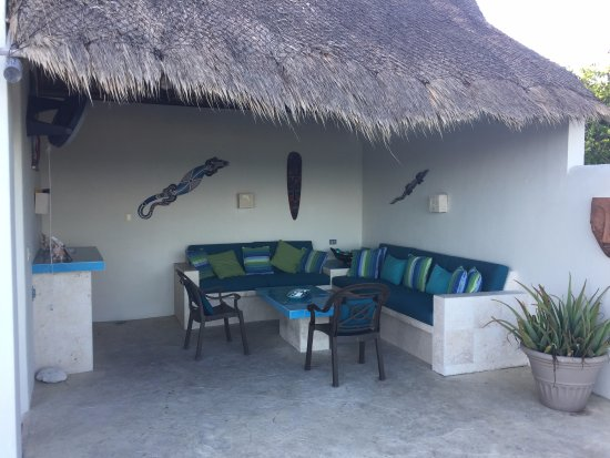 Casa Luna Turquesa: We spent a lot of time in the outdoor living room.