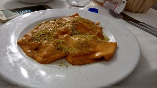 Gambero Rosso Taormina: Ravioli salmone e pistacchio