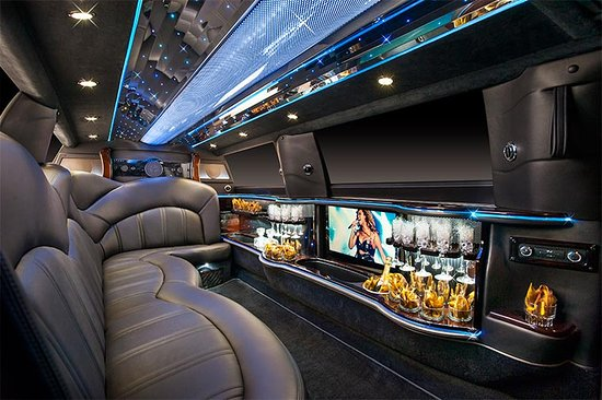 Advantage Limo Of NYC: Lincoln MKT Stretch Limousine Interior