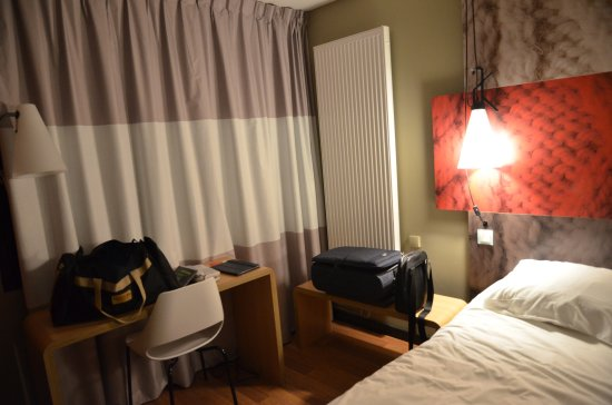 fa ade terrasse et piscine photo de ibis chalon sur saone europe chalon sur sa ne tripadvisor. Black Bedroom Furniture Sets. Home Design Ideas