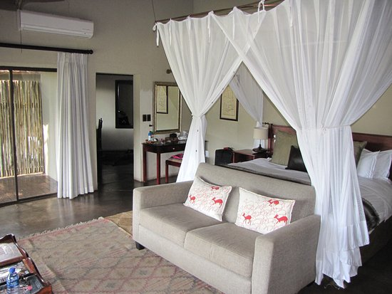 Jock Safari Lodge: This is Room 2, Fitzpatrick's at Jock Lodge.