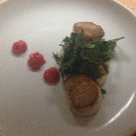 Mohegan Manor: Best scallops ever U10 cooked perfect