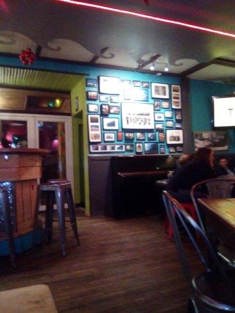 Atao aman : espace bar