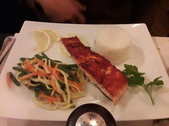saumon riz photo de le 217 brasserie restaurant paris tripadvisor. Black Bedroom Furniture Sets. Home Design Ideas