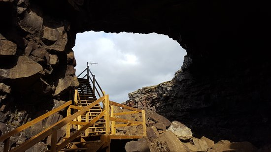 Borgarnes, Islandia: Vidgelmir, the biggest cave in Iceland. It is located in Borgarfjord in west part of Iceland,